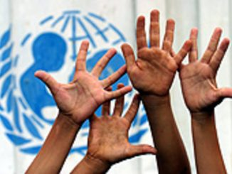 l-61-Hands-with-unicef-logo