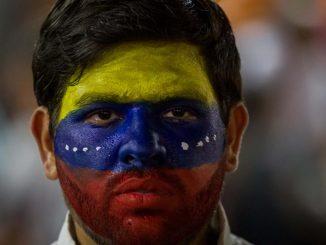 joven_venezolano_cara_pintada